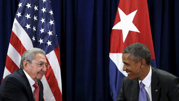 barack-obama-raul-castro-meet-u-n-general-assembly