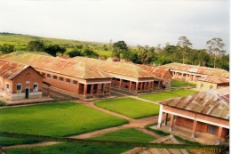 DONATION DU CENTRE MISERICORDE DE MATERIEL MEDICAL ET DES MEDICAMENTS POUR L'HOPITAL DU DIOCESE DE MATADI AU CONGO 5