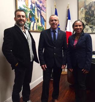 Le maire d'Anglet Claude Olive a reçu la présidente de l'association Les petits coeurs de Cuba, Quenia, Nicolas et le vicario de Bayonne Lionel Landart au sujet du proyet du Centre de Miséricorde.