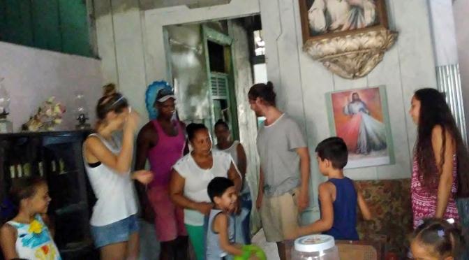 MERCI DE TOUT CŒUR A MALAURY ET SON AMI, JEUNES FRANÇAIS, POUR LEUR VENU A NOTRE CENTRE D'ACCUEIL DE CUBA.