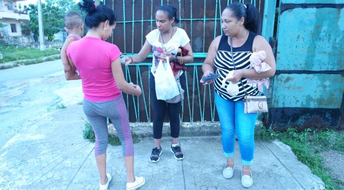 VIDÉO DONATIONS directement dans le quartier de Mantilla à la Havane (CUBA) par LES PETITS CŒURS DE CUBA. (partie 2)