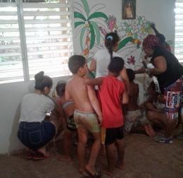 LA BELLE ACTION DE LEONA ROSE ET MARINE DANS NOTRE CENTRE D'ACCUEIL ACUBA.