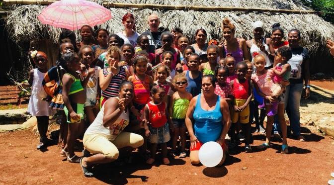 UN DIMANCHE DE GOÛTER ET DONATION AU CENTRE D'ACCUEIL DE CUBA GRACE A DES GÉNÉREUX BRETONS.