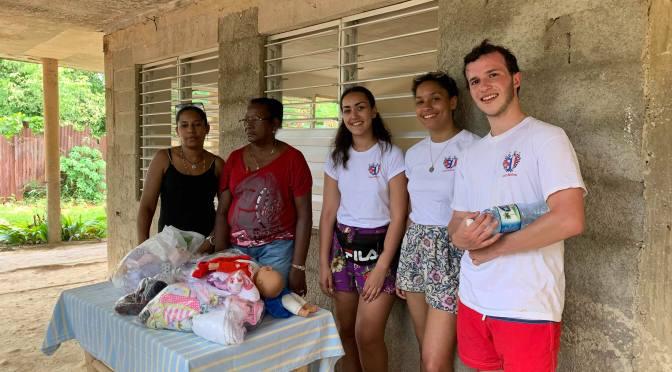 GOÛTER ET DONATION AU CENTRE D'ACCUEIL DE CUBA AVEC LA JEUNE EQUIPE DE L'ASSOCIATION «CUBANIÑOS» DE BAYONNE.